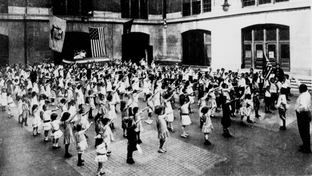 http://realitybloger.files.wordpress.com/2013/08/6008b-bellamy_salute_1915.jpg?w=627&h=353
